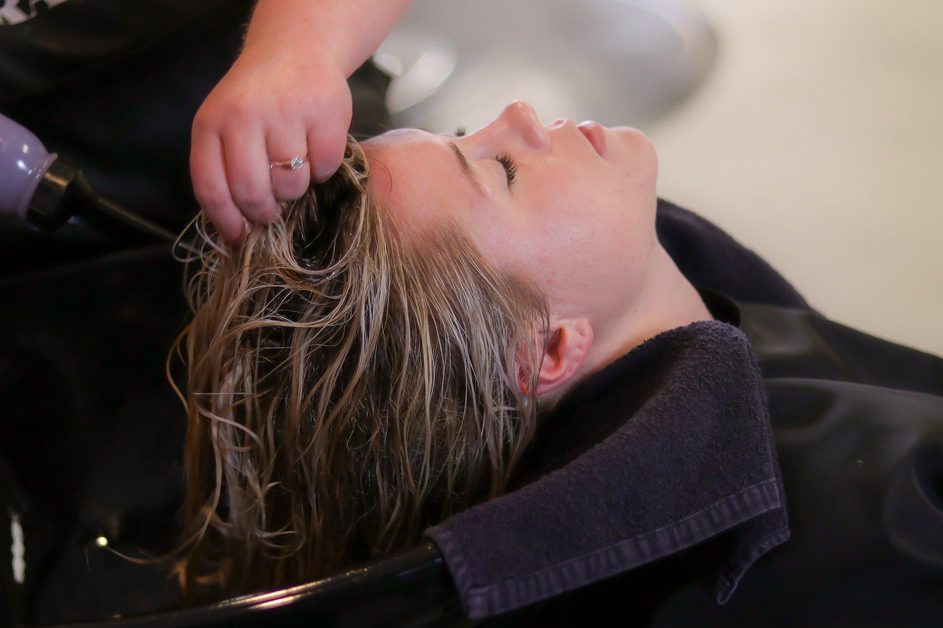 Entenda como precificar seus serviços em salão de beleza