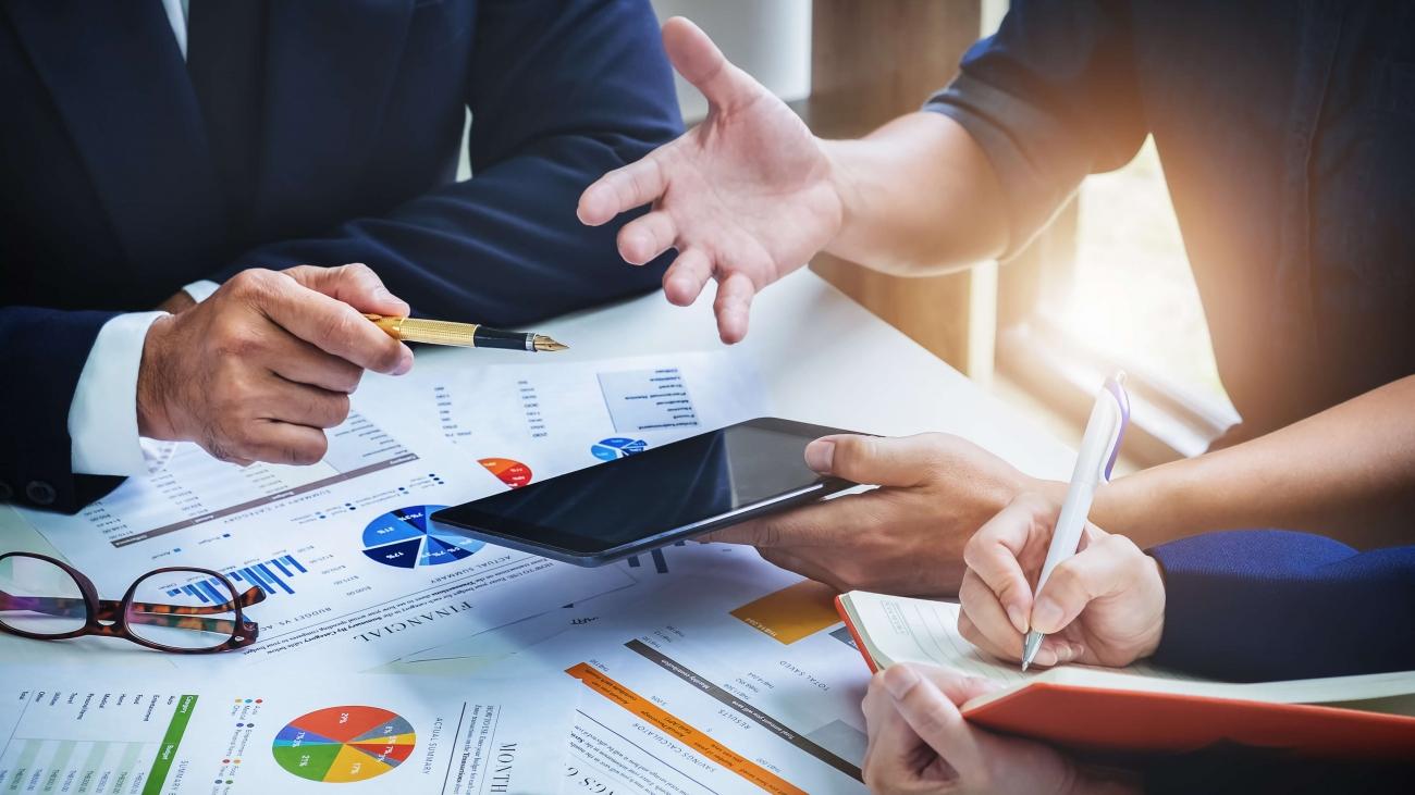 Estude a viabilidade financeira e operacional de sua ideia